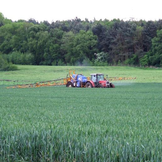 Crop_Spraying,_Shropshire_-_geograph.org.uk_-_443524